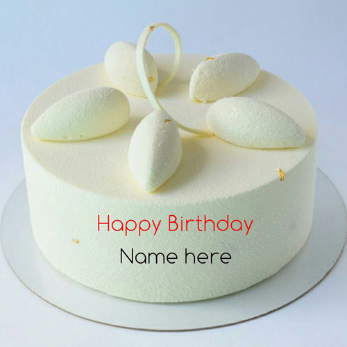 Write Name On Vanilla Flavor Birthday Cake For Sister