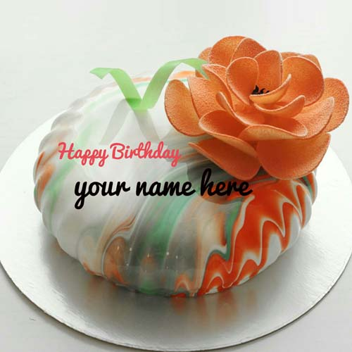 Create Name On Flower Decorated Cake For Sister